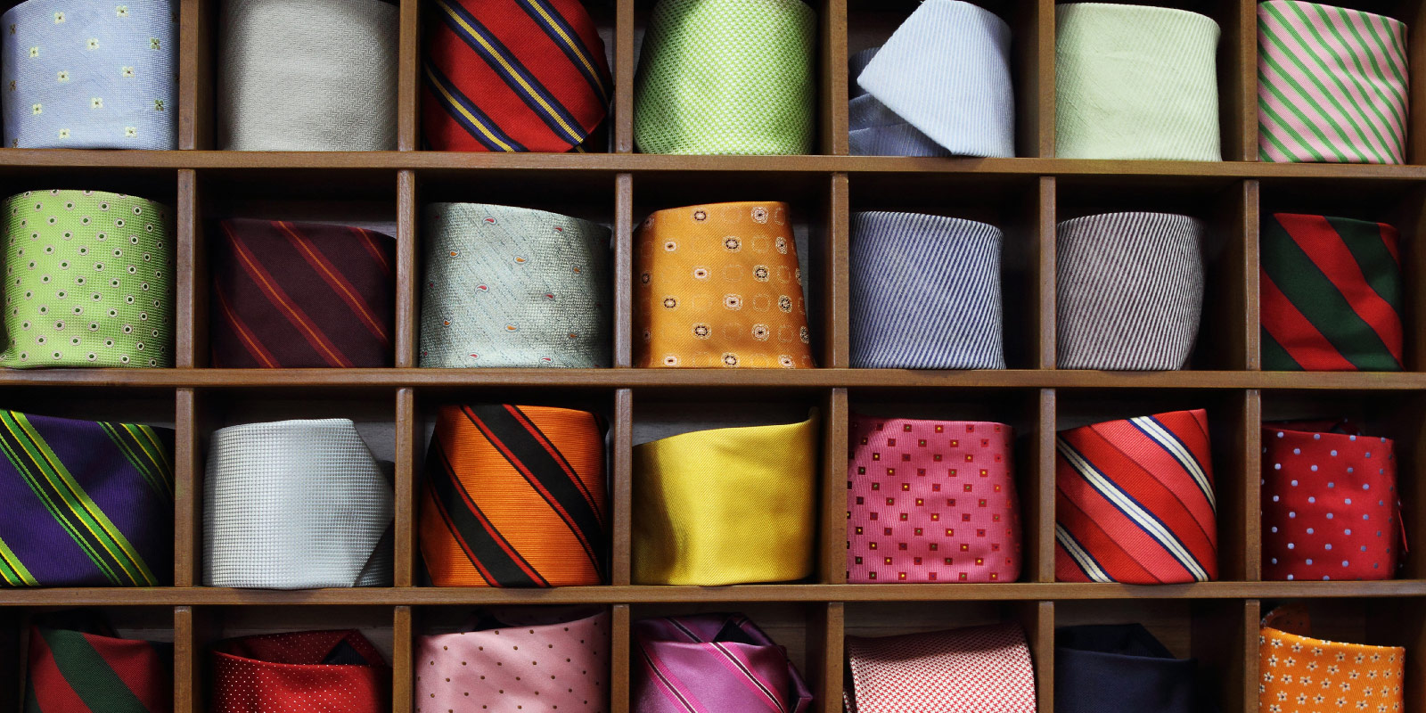 krawatte binden. Black Bedroom Furniture Sets. Home Design Ideas