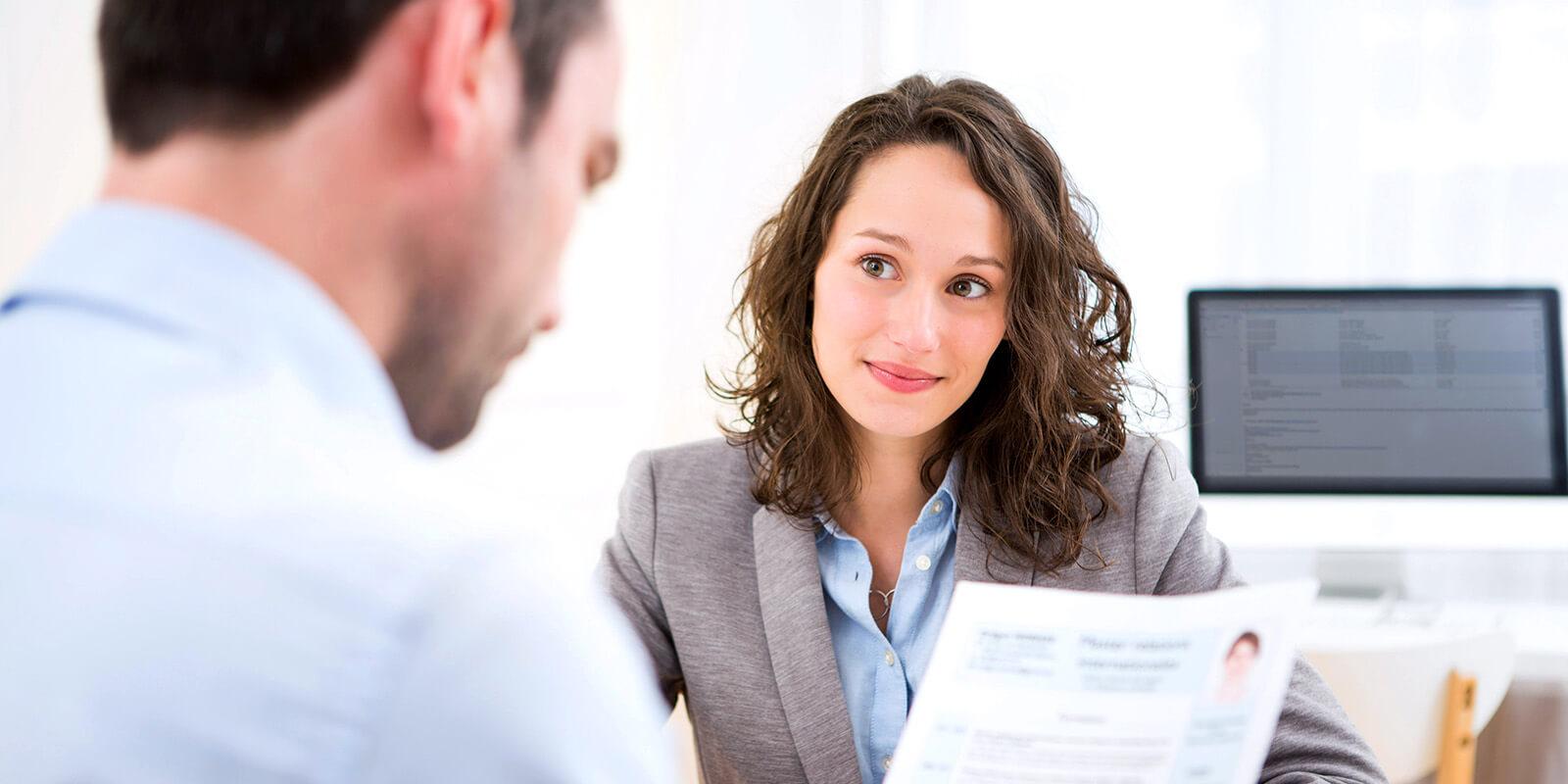 personaler durchsieht lebenslauf einer juristin - Lebenslauf Referendariat