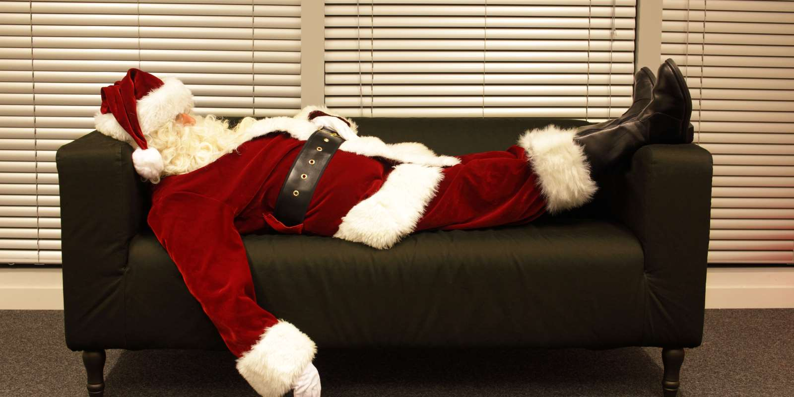 Alkohol Weihnachtsfeier.Erste Weihnachtsfeier